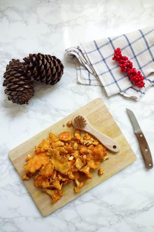 Herbstliche Pfifferlingspfanne mit cremiger Polenta - vegan, rein pflanzloch, glutenfrei, laktosefrei - www.appleandginger.de