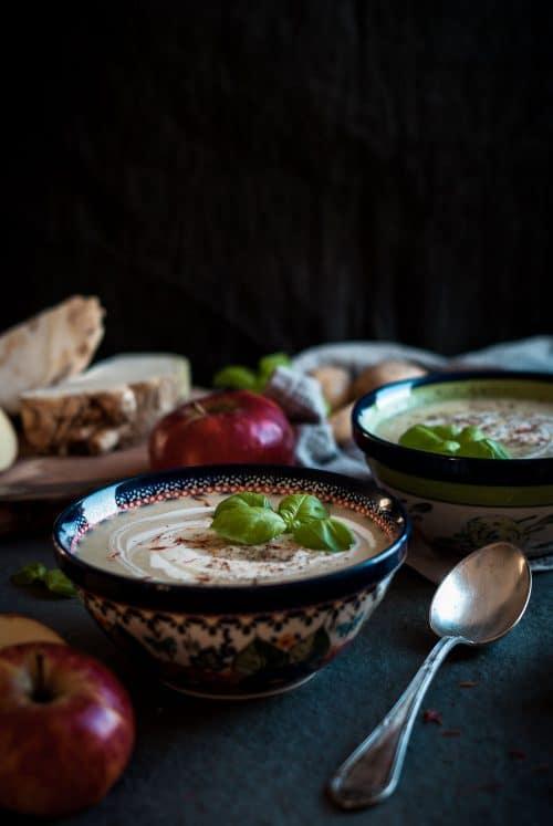 Apfel Sellerie Suppe perfekt für kalte Wintertage! #vegan #glutenfrei #laktosefrei #zuckerfrei #suppe - www.appleandginger.de