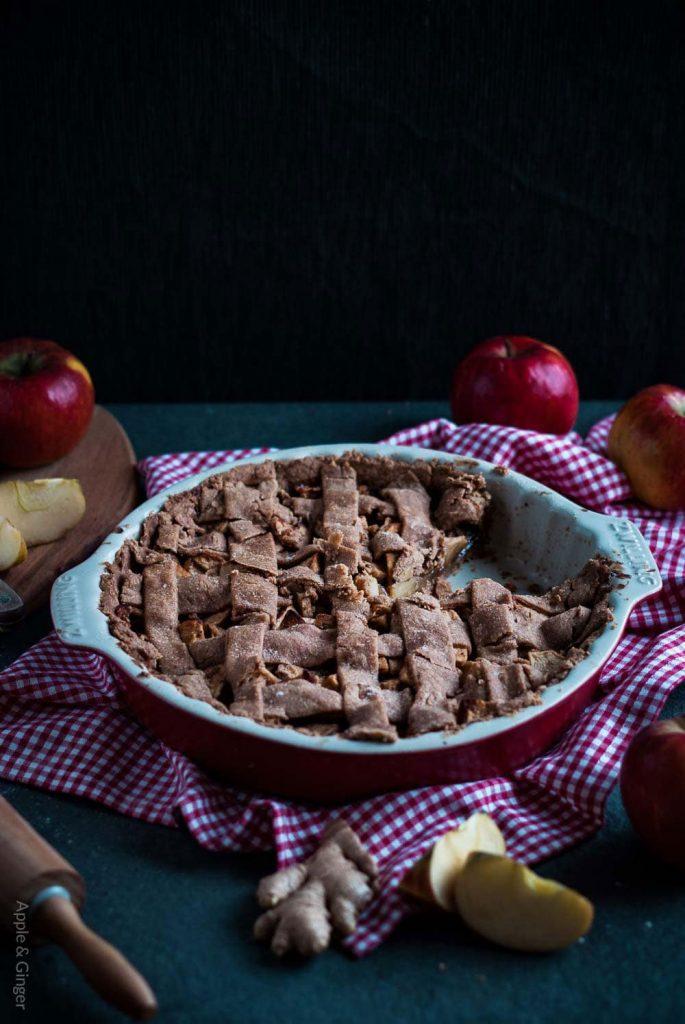 Köstlicher und gesunder ayurvedische Apfelkuchen mit Ingwer! #vegan #vegetarisch #ayurveda #zuckerfrei #kuchen #gesundbacken - www.appleandginger.de