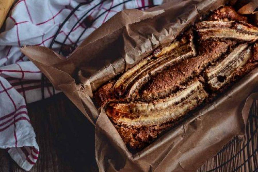 Bananenbrot mit Karotten und Haselnüssen