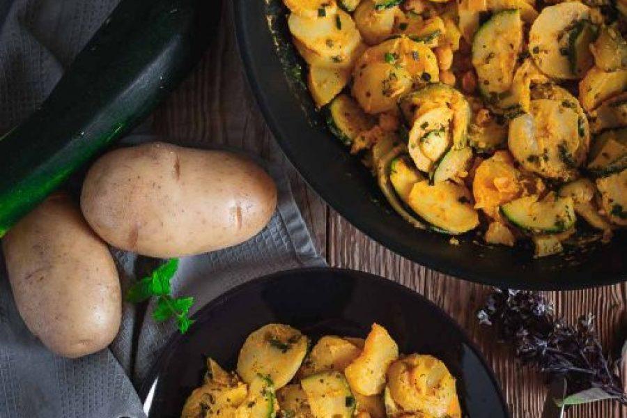 Orientalische Kartoffel-Zucchini-Pfanne mit Kichererbsen und schwarzem Rettich: Ideen für weniger Abfälle in der Küche