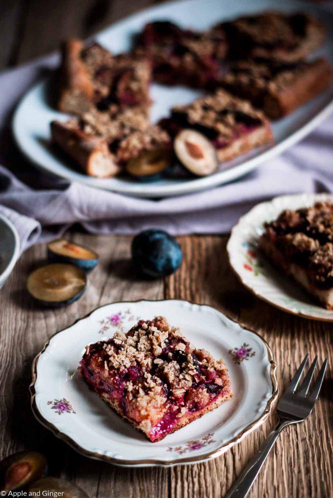 Pflaumenkuchen mit Mandel-Haferflocken-Streuseln