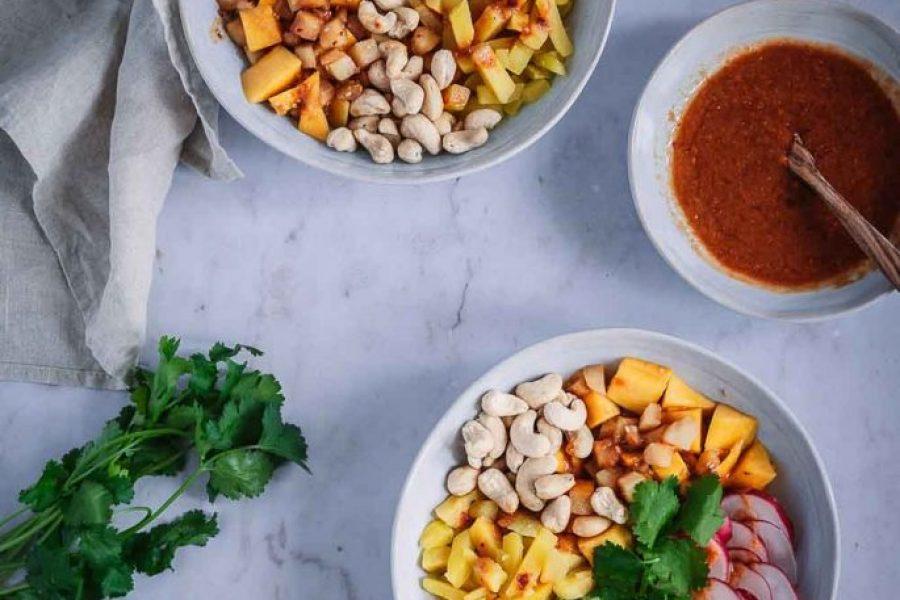 Exotische Low Carb Poké-Bowls und warum du Bio-Gemüse kaufen solltest