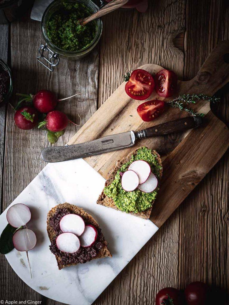Brot mit Brotaufstrich